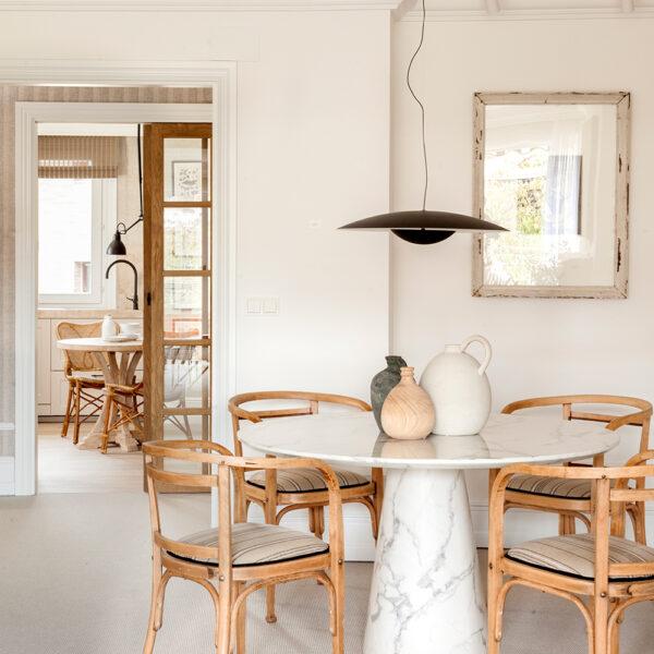 2021-03-18_Interiorismo-piezas-especiales_Casa-NZ_comedor-iluminacion-Marset-Poulsen_Natalia-Zubizarreta-decoradores